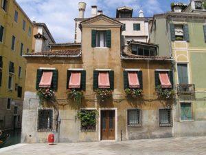 Découvrir Venise, ses ruelles, ses immeubles