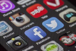 recrutement médias sociaux