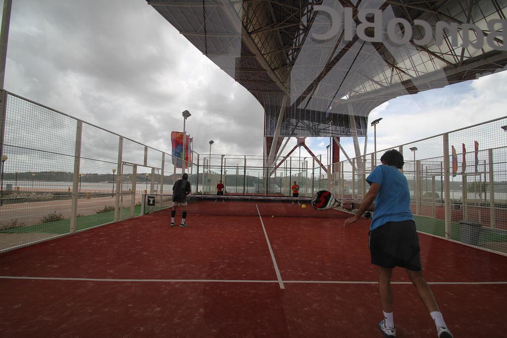 Tout savoir sur le padel r gles techniques et mat riel for Longueur terrain de tennis